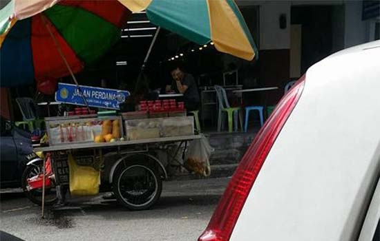 Pegawai MPAJ 'cas' peniaga RM60 kalau nak kekal berniaga
