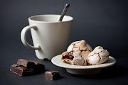 Bocaditos de merengue con chocolate