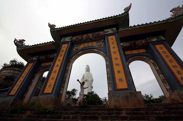 VIETNAM: Recorrido en moto de Hoi An al Gran Buda de Danang