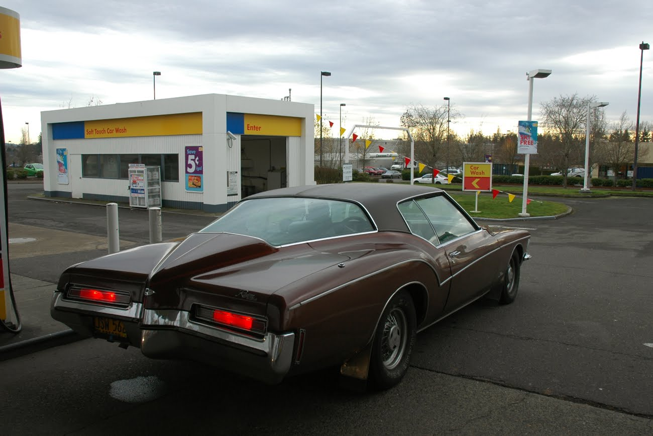 Old Parked Cars 1972 Buick Riviera Gran Sport