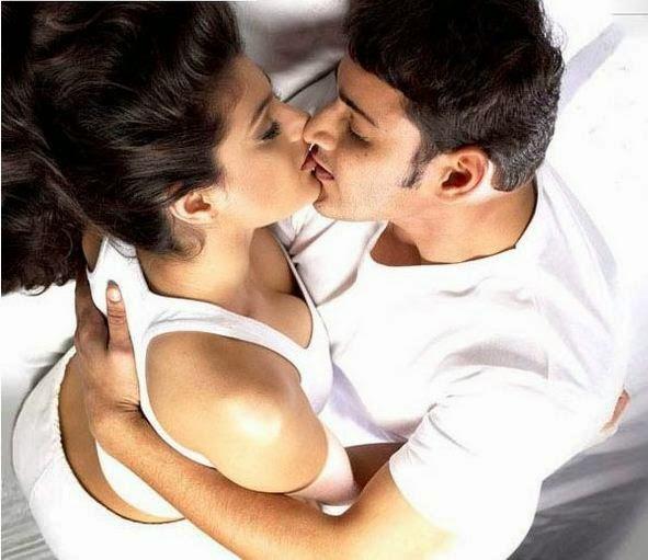Hot Kiss Lip To Lip