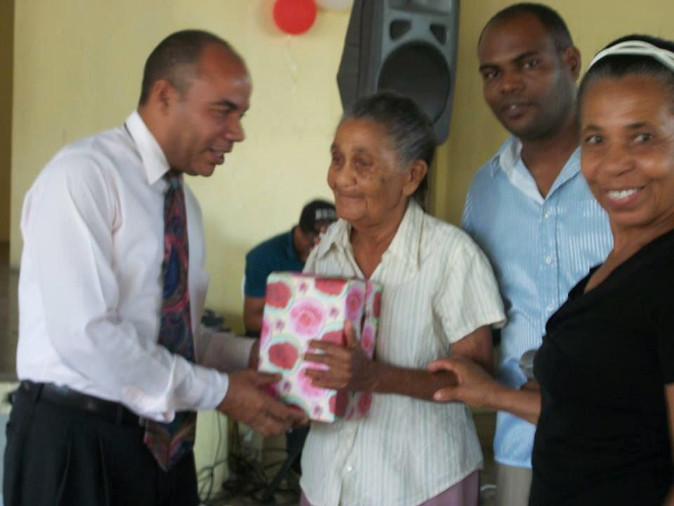 Realizan hermoso acto en homenaje a las madres del municipio de Cambita Garabitos