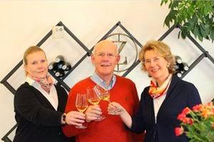 Helga und Peter J. König im Gespräch mit  Familie Zilliken