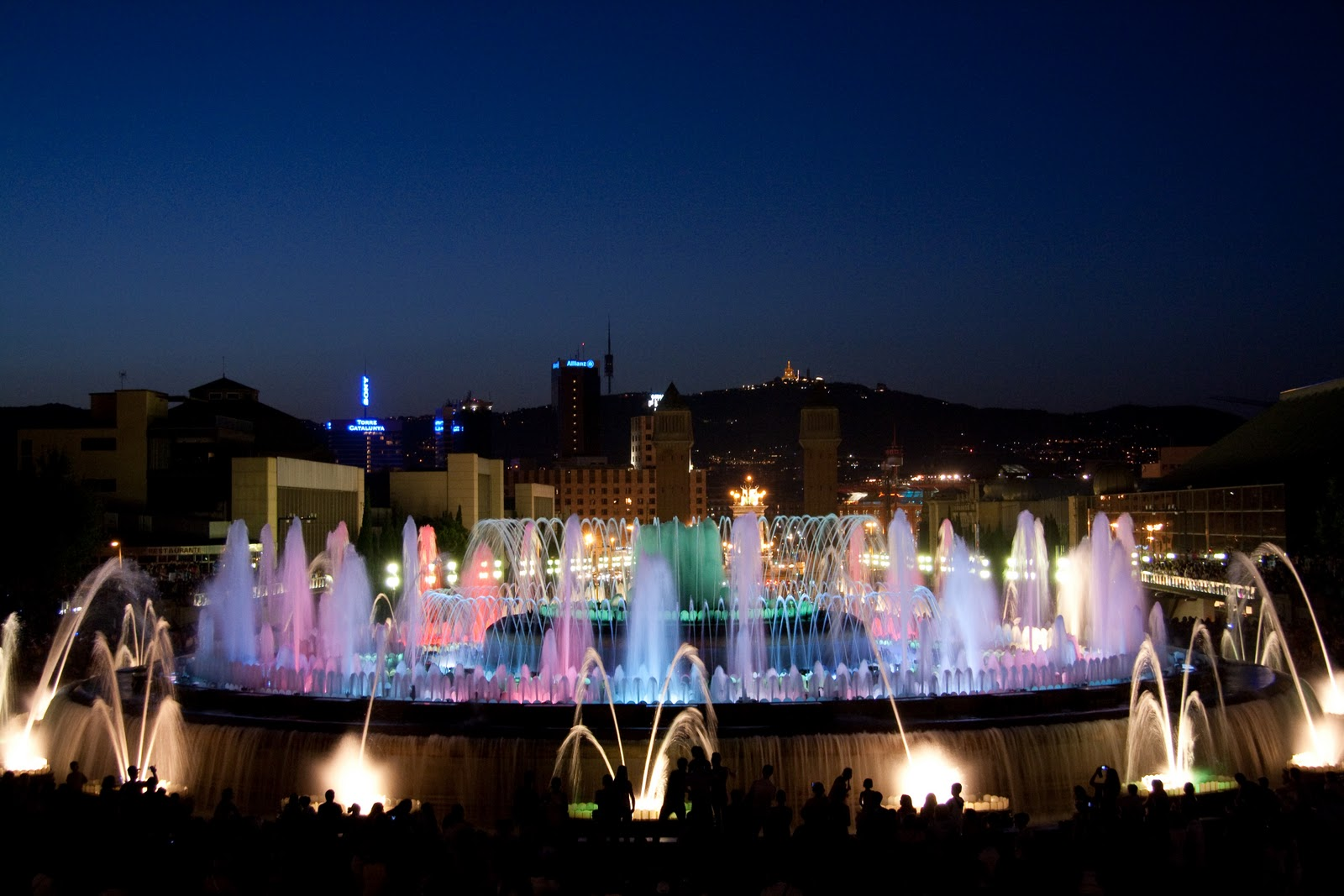 Last day in barcelona the magic fountain the girl with for Spagna barcellona