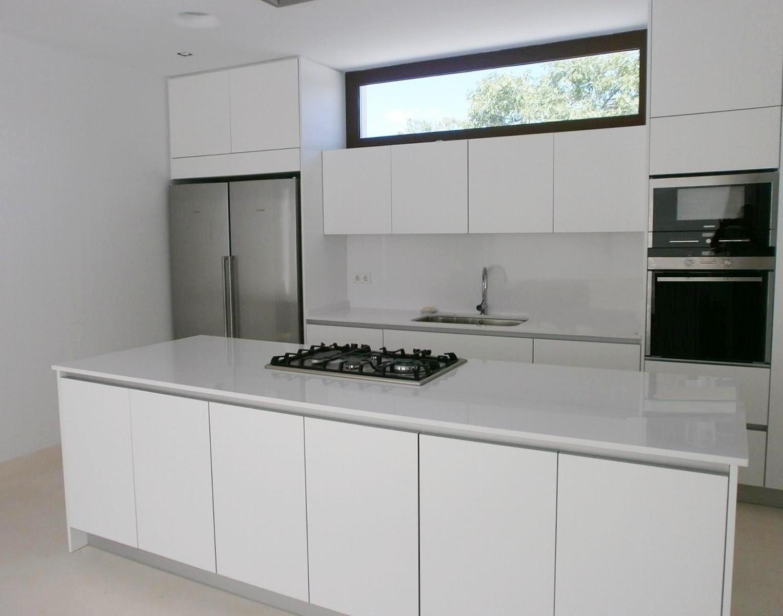 Muebles de cocina sin tiradores una decisi n personal - Modelos de azulejos para cocina ...