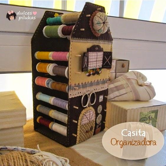 Dulces pilukas casita organizadora costura for Casitas de madera para guardar cosas