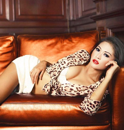 Foto Hot Model Seksi Julie Octha
