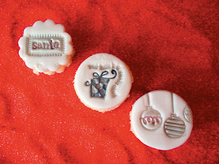 Embossed holiday cupcakes