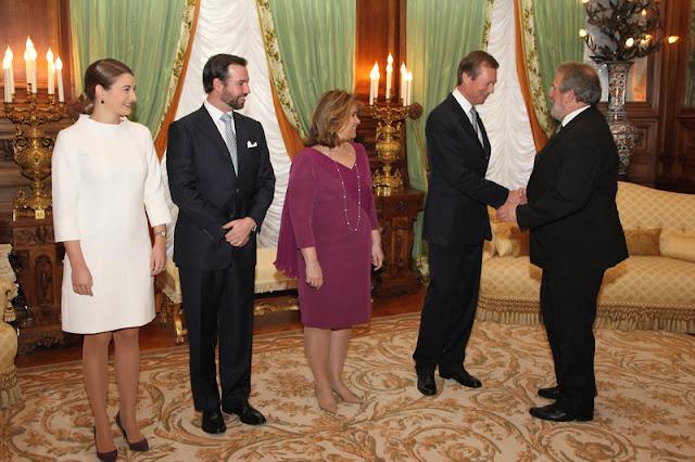 Leurs Altesses Royales le Grand-Duc et la Grande-Duchesse accompagnées de Leurs Altesses Royales le Grand-Duc