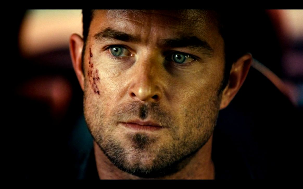 Sullivan Stapleton Strike Back Girlfriend Pictures