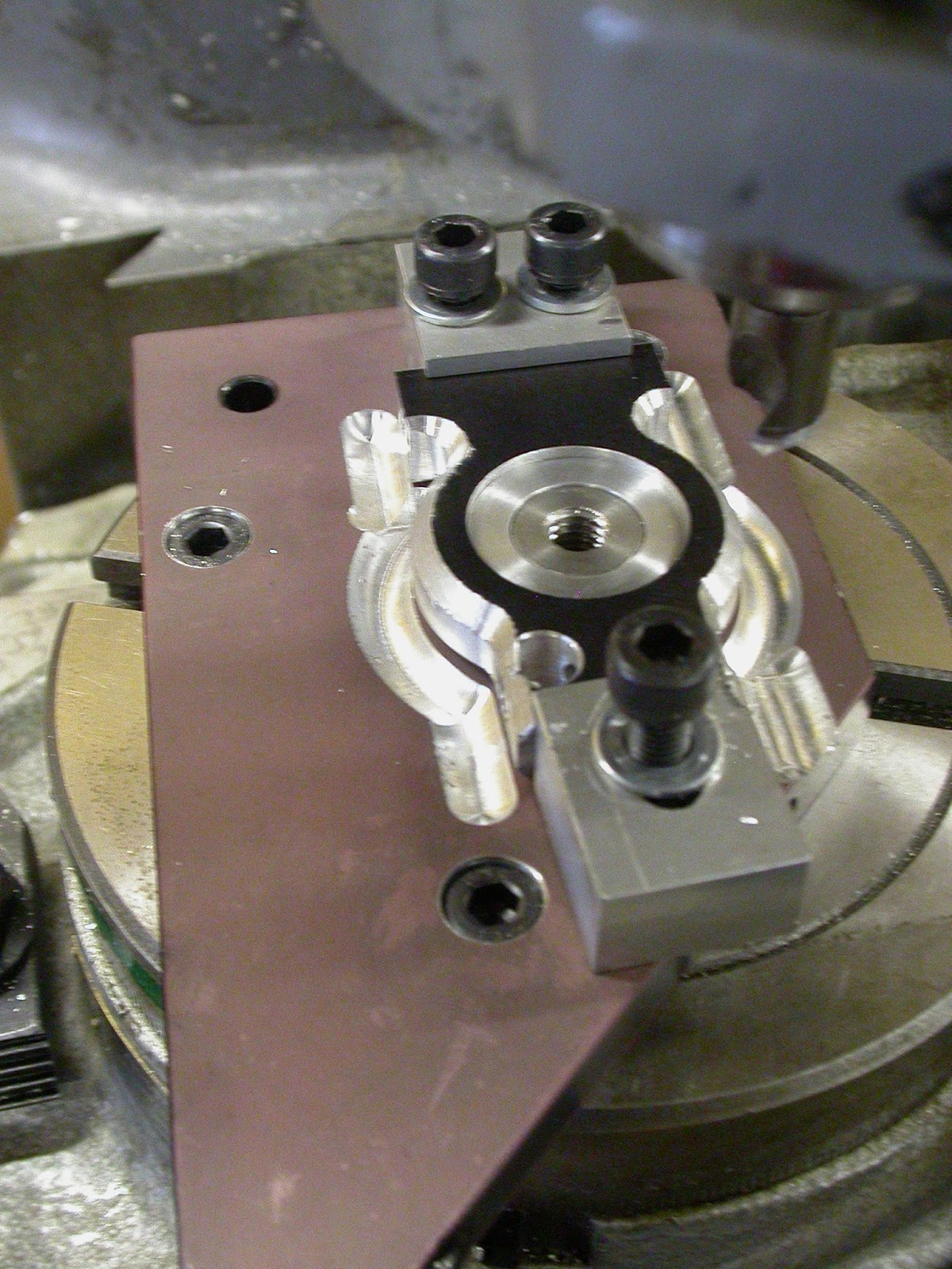 Moustache cycles rotary table in service for 12 rotary table