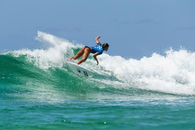 11 Roxy Pro Gold Coast 2015 Alessa Quizon Foto WSL Kelly Cestari