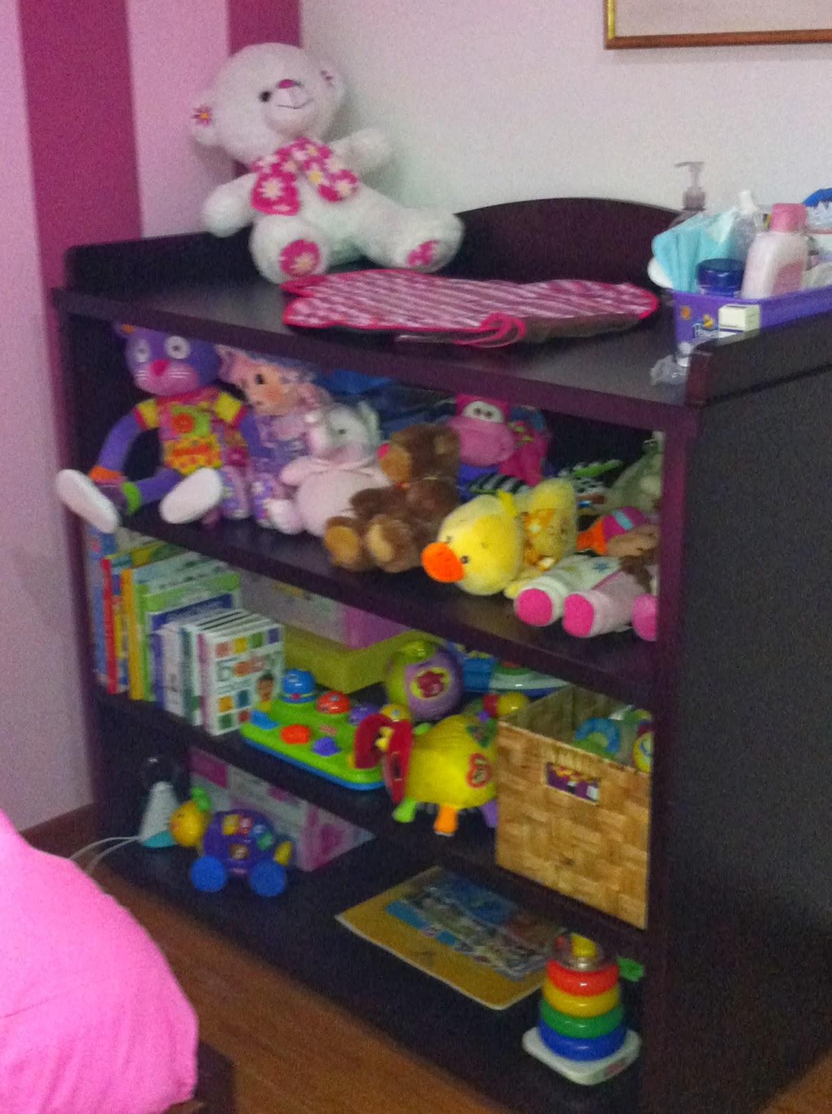 La experiencia de ser mama mueble juguetes en la for Mueble juguetes