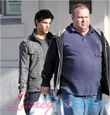 Photo of Taylor Lautner & his  Father  Daniel Lautner
