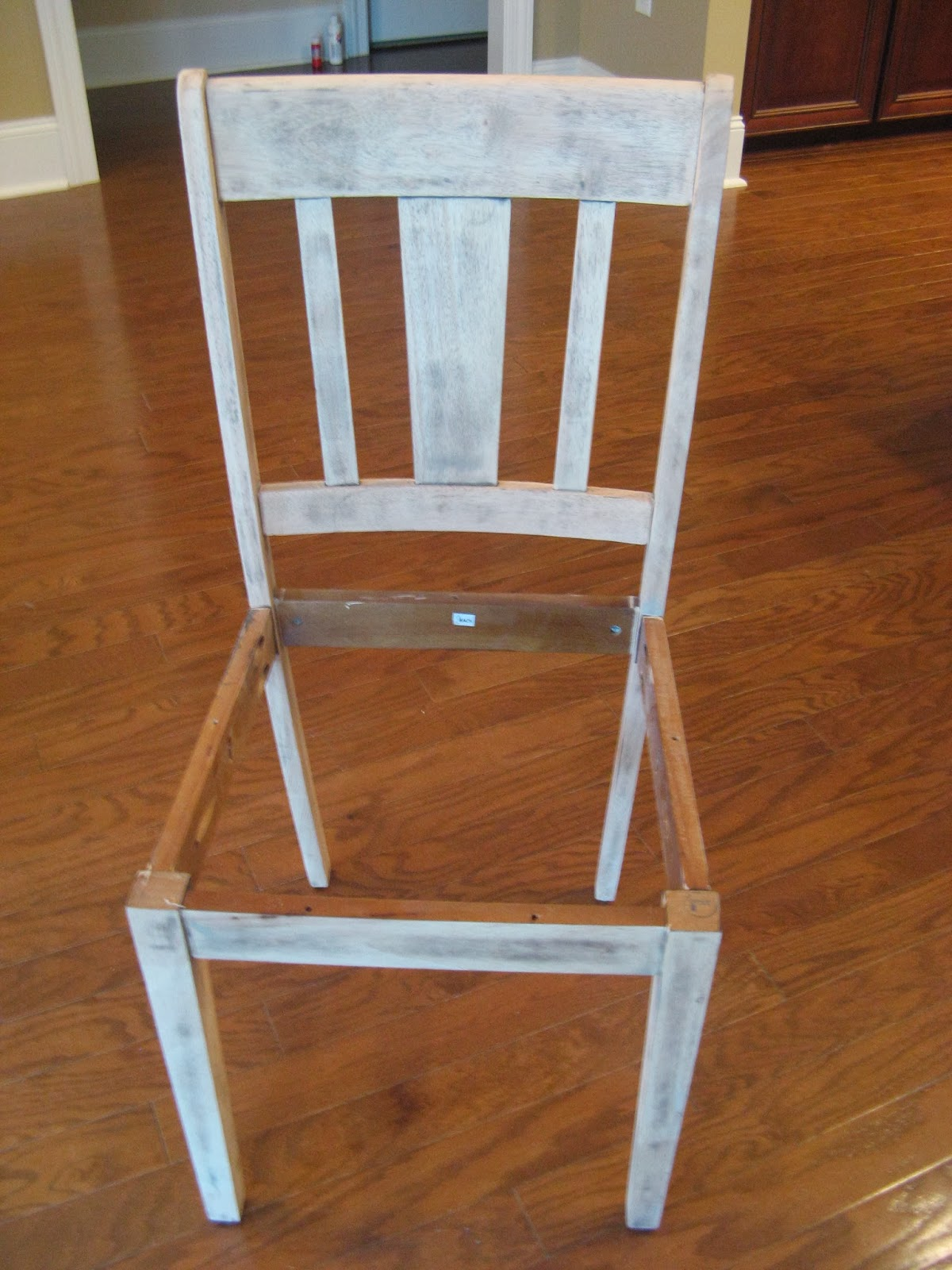Chair - Driftwood Paint Technique - sanding
