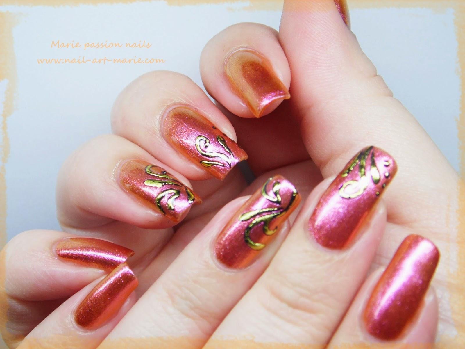 Nail art accent nail en dorures1