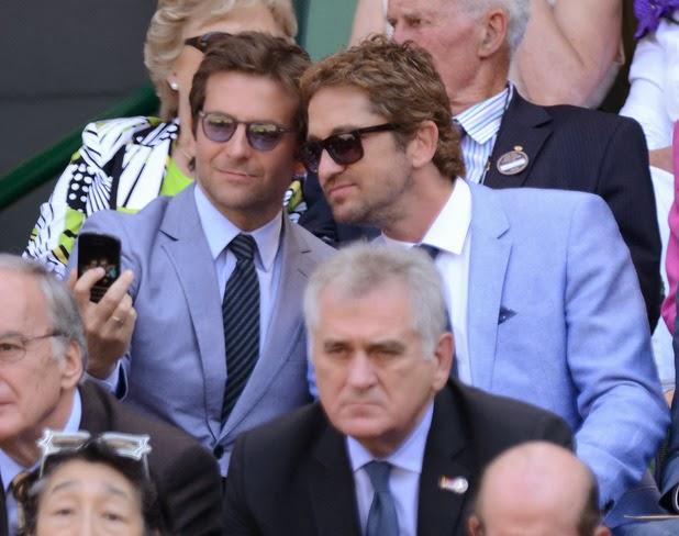 gerard-butler-bradley-cooper-selfie