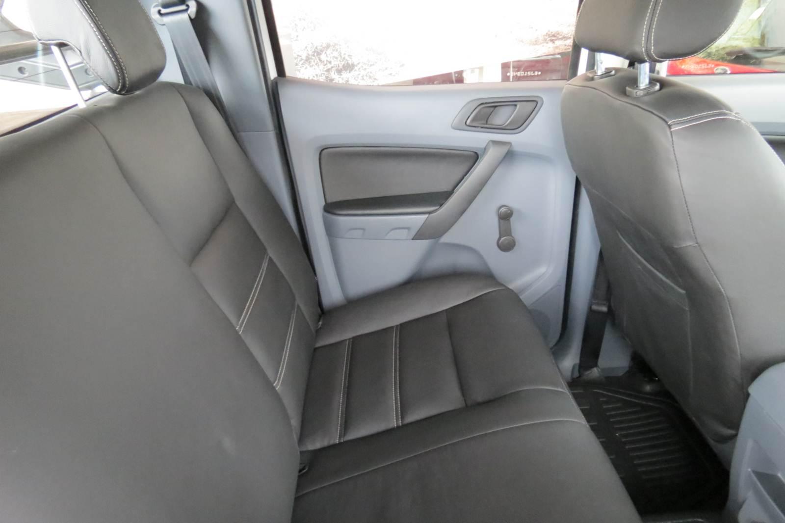 Ford Ranger XL 2.5 Flex Cabine Dupla - espaço traseiro