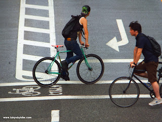 Fixed gear bicycle commuters in Tokyo, Japan