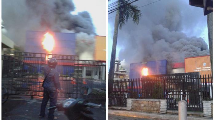 Foto Kebakaran Kantor Dispenda Medan