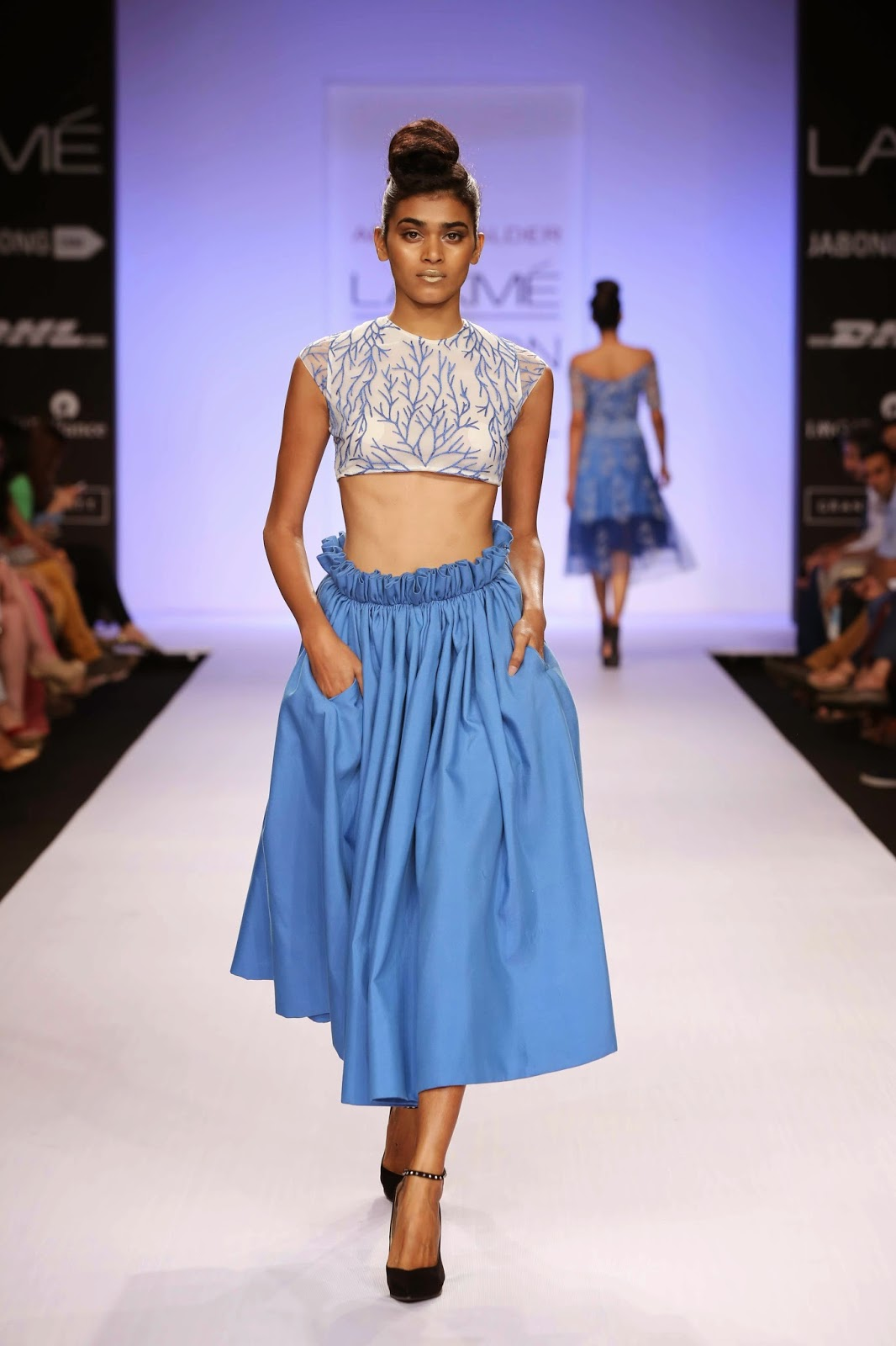 Aimed at dressing up the powerful independent women, the elegantly designed garments had the exquisite Abdul Halder touches giving the outfits that sensual and sexy look to add drama to the collection.