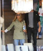 Jennifer Aniston   at furniture stores