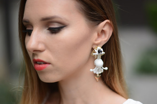 porshz, porshz bangkok, porshz earrings, porshz model, red lips, green eyes blogger, beauty makeup blogger