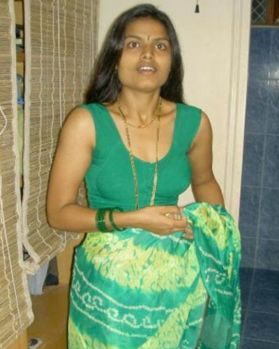 Saree Stripping Mallu Masala Aunty Photos - Page: 2 • Andhra ...