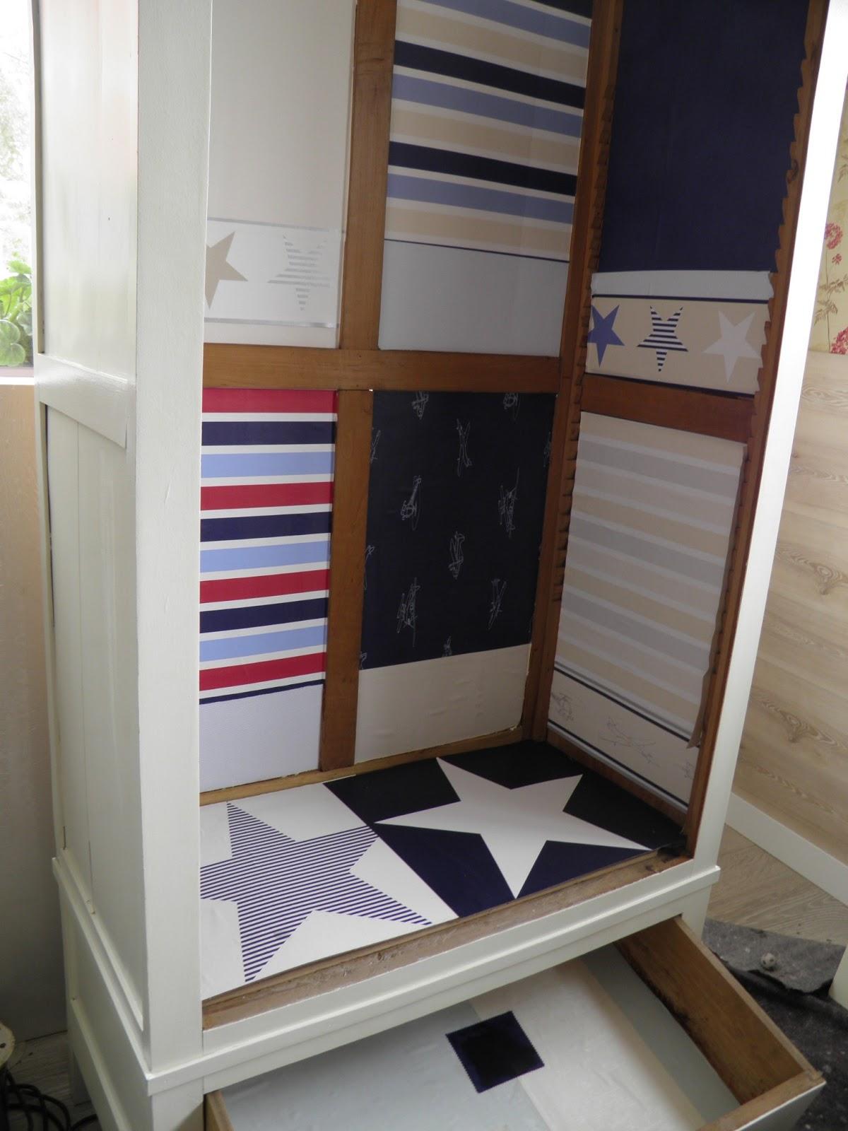 Ideas para forrar un armario great vinilo para armarios - Forrar armarios por dentro ...