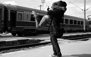 Love Couple Train Romance Cute Love Photo HD Wallpaper