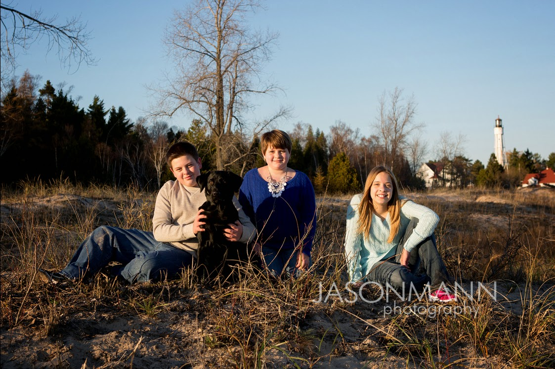 Door County Family Portraits Outdoor, Fall Beach Family Photos with Pet