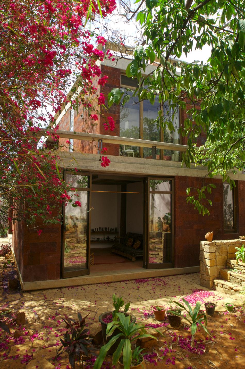 Podio casa estudio oaxaca por taller de arquitectura for Casa estudio arquitectura