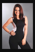 Aksha Latest Glamorous Photo Session Gallery-thumbnail-7
