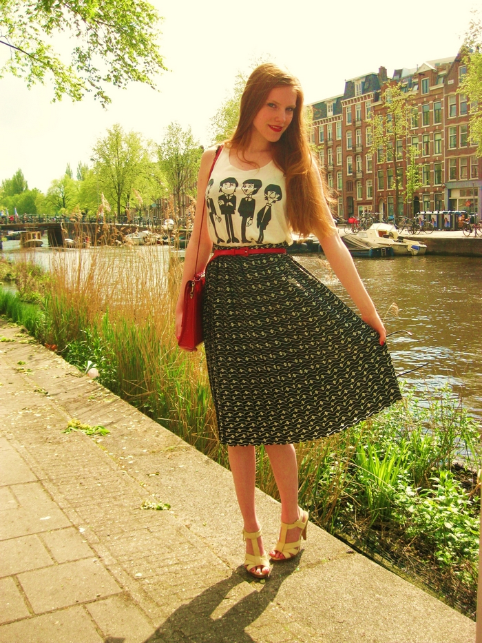 Fashion Blogger Outfit Red Vintage Long Skirt