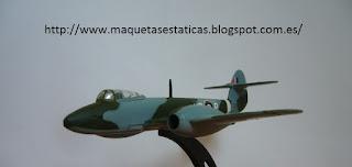 avión en miniatura marca Italeri a escala 1:100 Meteor F.1