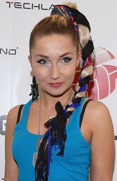http://3.bp.blogspot.com/-Y4c7ELiwgB0/UxCbEbsoKNI/AAAAAAAAAdI/v1q3f8xu_sU/s1600/Cleo+Poland.jpg