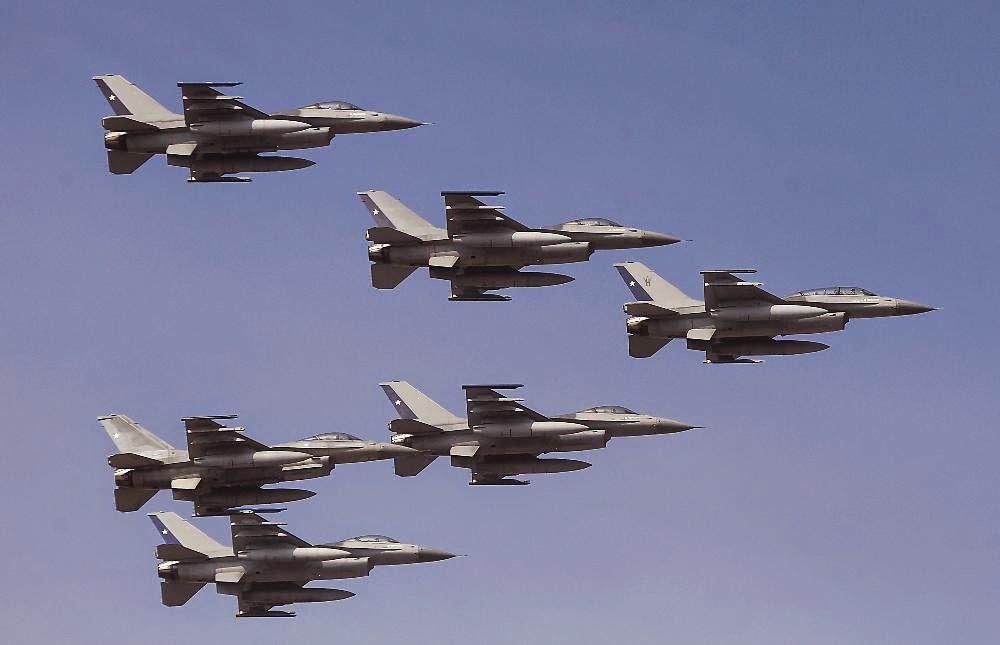 http://www.adnradio.cl/multimedia/fotogalerias/las-mejores-imagenes-de-la-parada-militar-2014/20140919/fotogaleria/2423427.aspx#105456