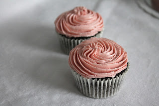 Layer cake_chocolate_fresa_strawberry_cupcakes