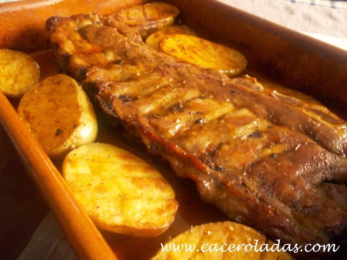 http://www.caceroladas.com/2014/01/costillar-al-horno-especiado-con-patatas.html