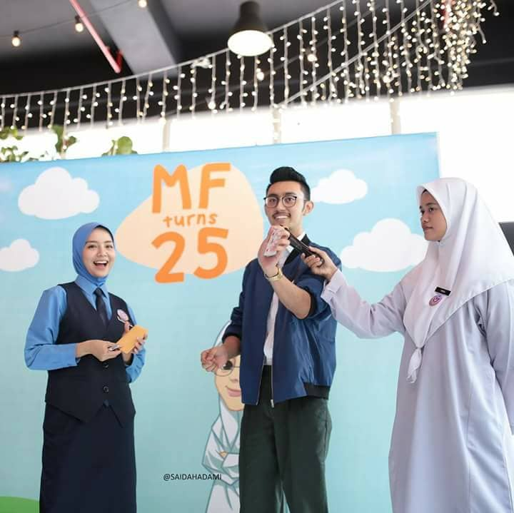 Backdrop Mira Filzah Turns 25