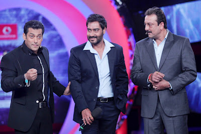 3 Handsome with Sonakshi Sinha in Big Boss 6