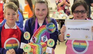 """Mii de copii din Marea Britanie au apelat în acest an la clinici """"pentru identitatea de gen"""""""
