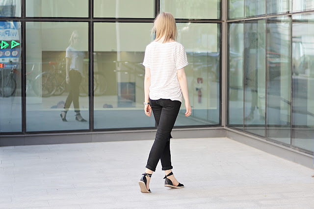 minimalist style blogger