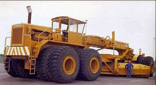 Biggest Bulldozer Made : Just a car guy the largest earth moving grader ever made