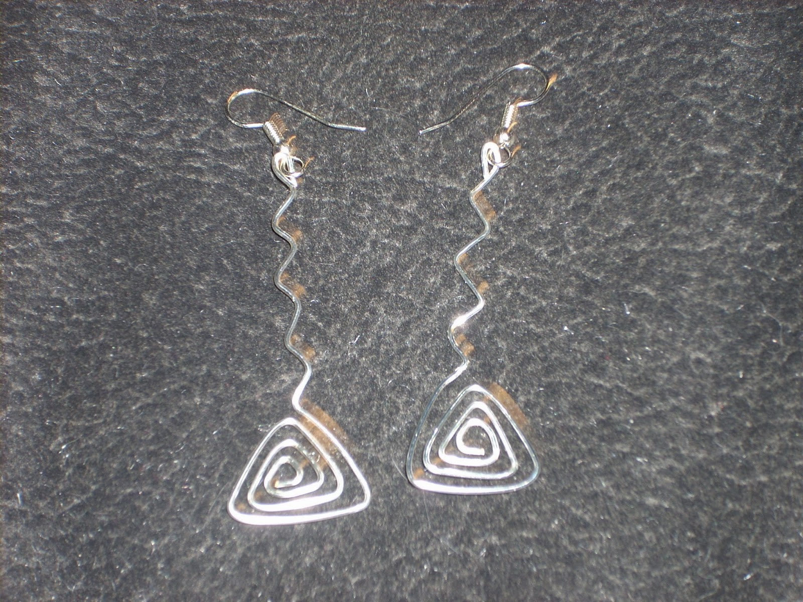 Naomi\'s Designs: Handmade Wire Jewelry: Funky silver wire wrapped ...