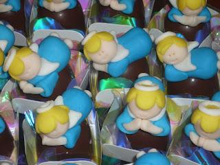 doce trufa decorada batizado anjinho