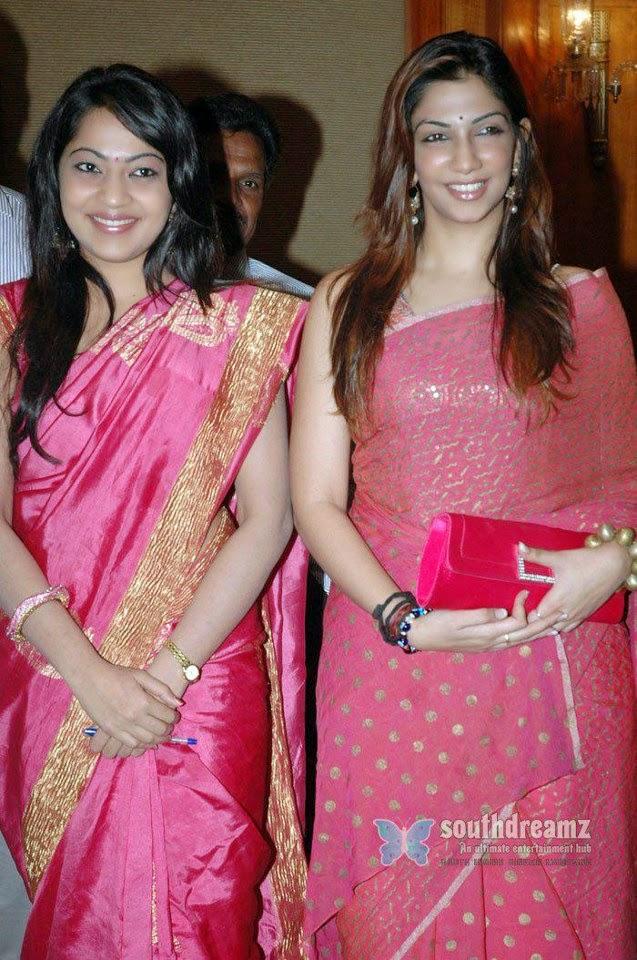 Vijay Tv Vj Bhavana Hot Pics In Saree