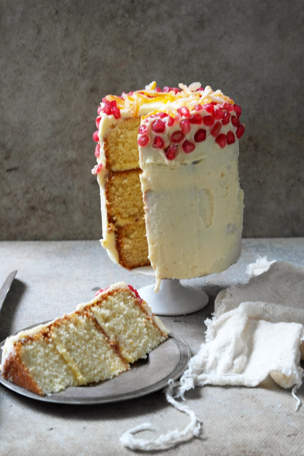 Half Fruit Half Sponge One Cake Recipe