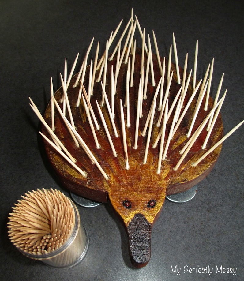 how to make a spiky echidna