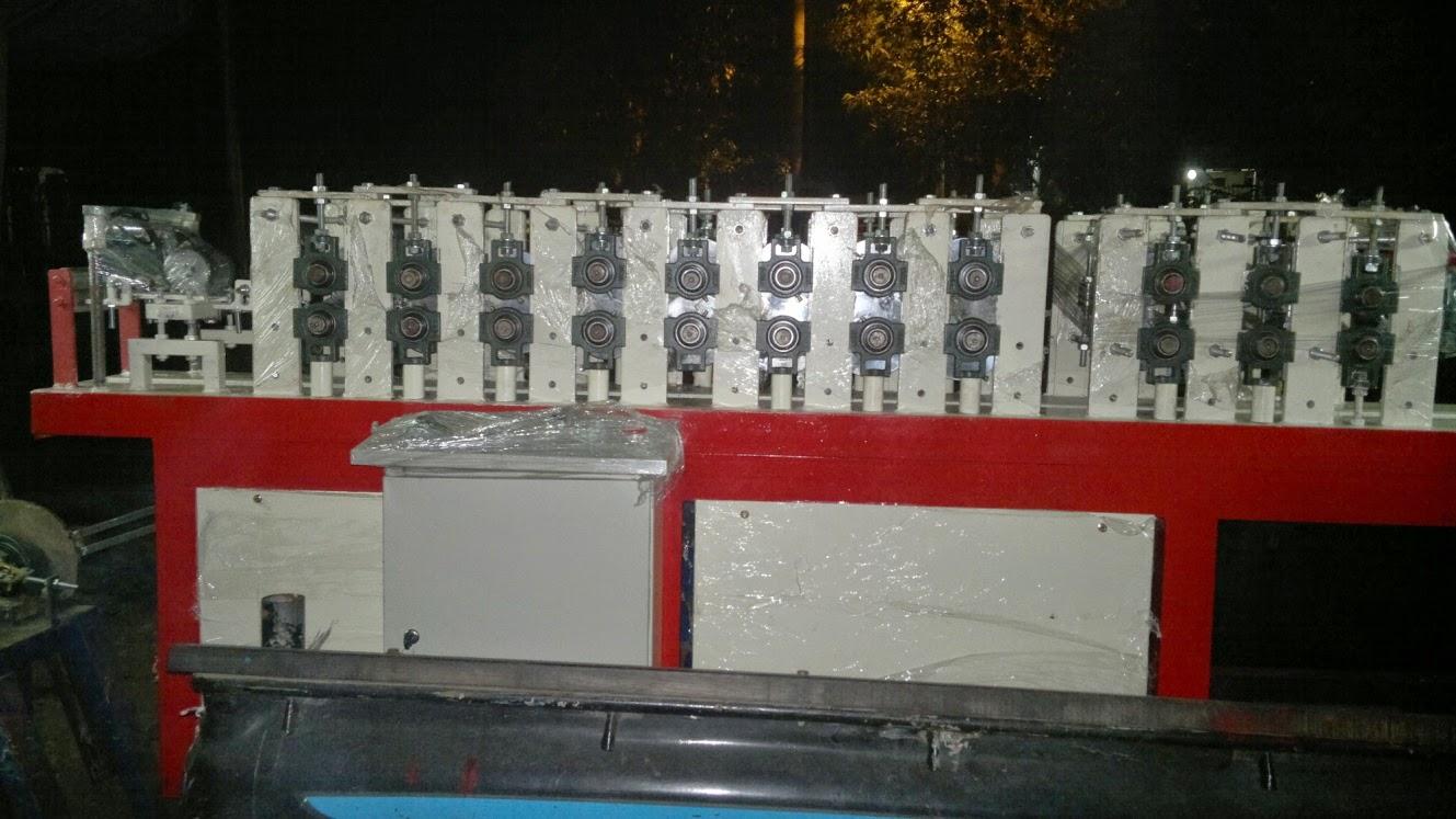 http://www.produsenbajaringanmurah.com/2014/09/produsen-mesin-baja-ringan-murah.html